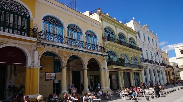 La Havane 1-37-1- Plaza Vieja.JPG