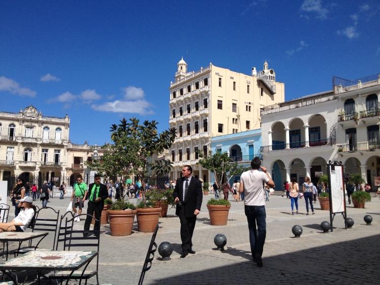 La Havane 1-41-Plaza Vieja.JPG