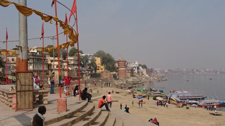 Varanasi 05 fev-81